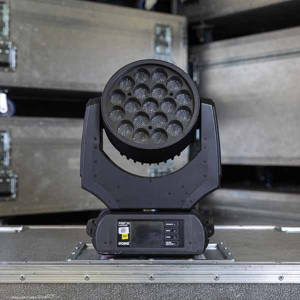 Robe LEDwash 300 Front 2